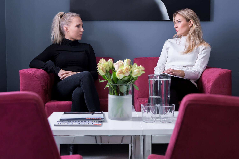 Venterommet på klinikk Haukeland | Vi tilbyr Brystforstørring