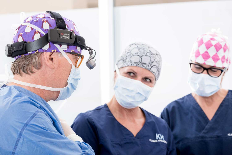 Brystoperasjon / Kirurgisk inngrep for silikon pupper, brystforstørrelse hos Klinikk Haukeland i Drammen. Vi utfører kroppsforming